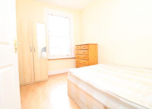 3 Bedroom Terraced House in Leyton, E10