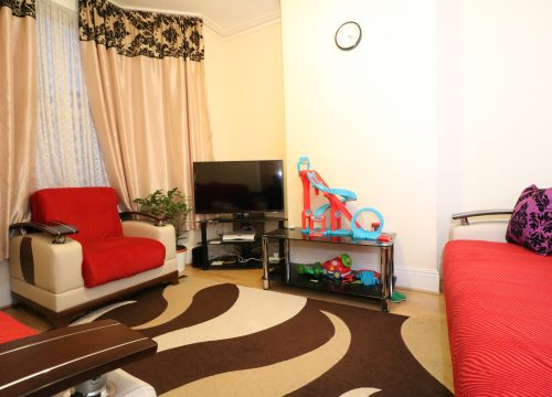 Three Bedroom House N18 For Sale, Enfield  Available now